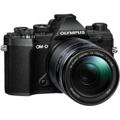 Olympus OM-D E-M5 Mark III + M.Zuiko Digital ED 14‑150mm F4‑5.6 II (czarny/czarny)   CASHBACK 650zł
