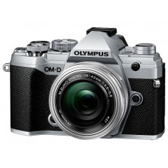 Olympus OM-D E-M5 Mark III srebrny + 14‑42mm f/3.5‑5.6 EZ   CASHBACK 650zł