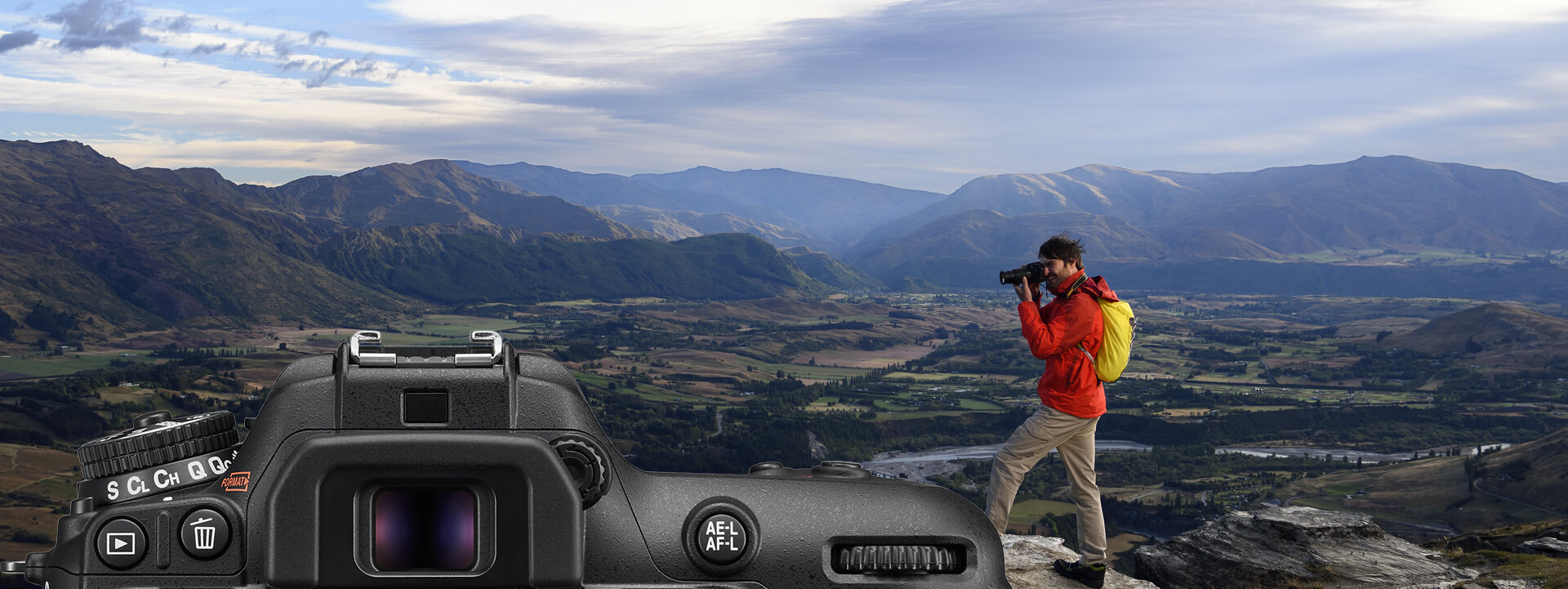 nikon_dslr_d7500_optical_viewfinder2.jpg